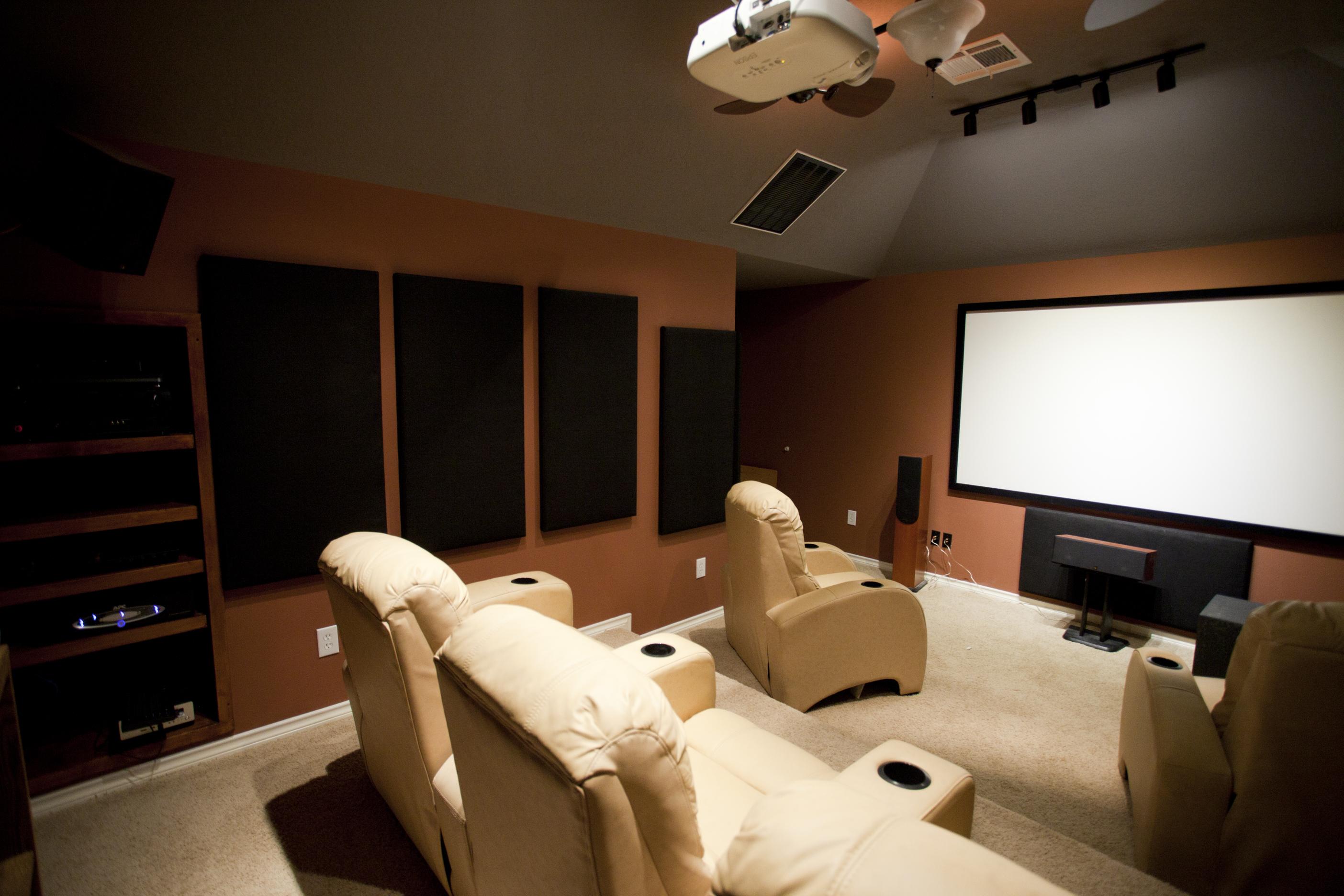 Les 7 équipements indispensables pour un bon home cinéma